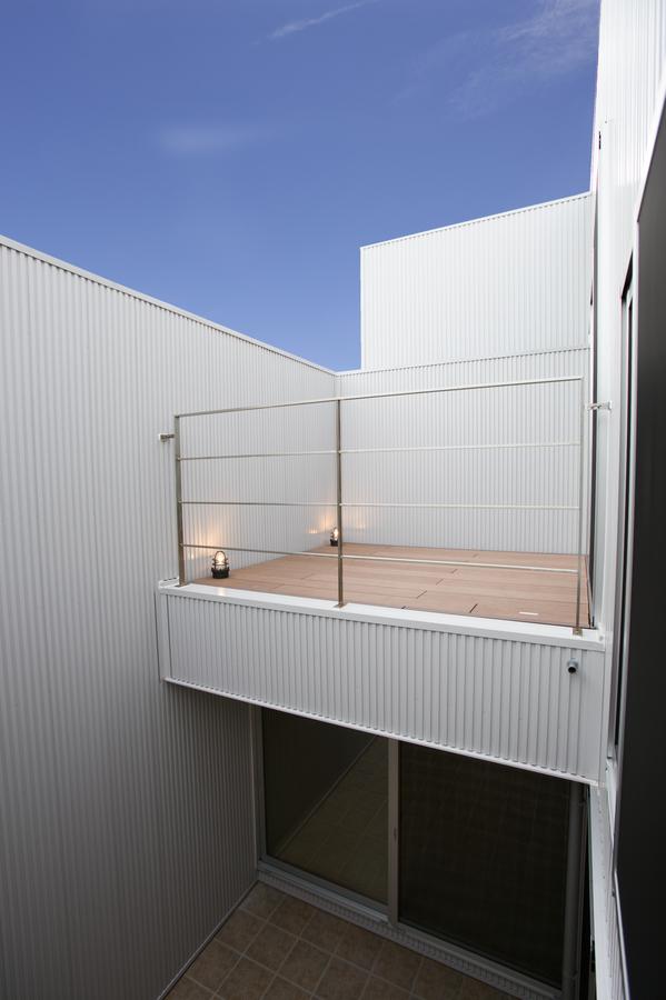 プライバシーに配慮した中庭の家